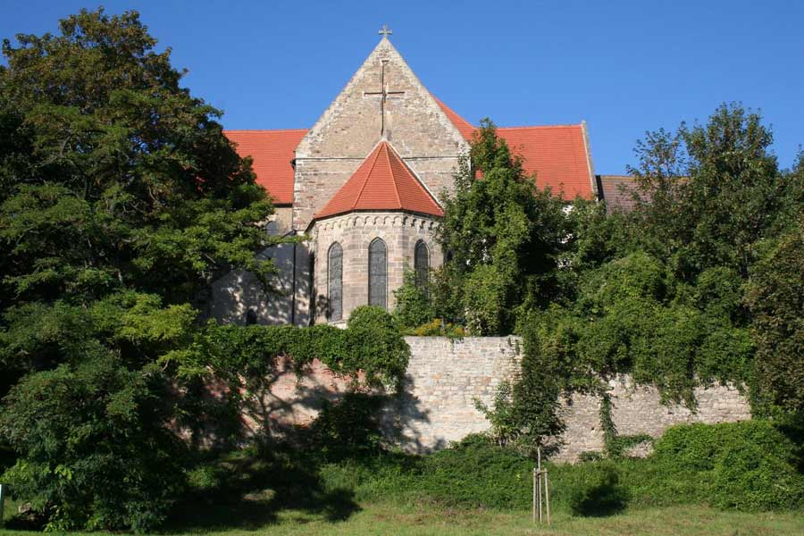 Straße der Romanik: Schlosskirche in Nienburg